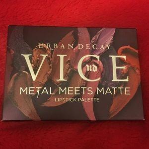 Urban Decay Vice Metal meets Matte Lip Pallet